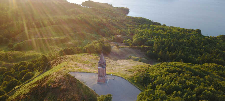 Machen Sie einen Ausflug nach Himmelbjerget, den höchsten Punkt Dänemarks mit wunderschöner Aussicht.