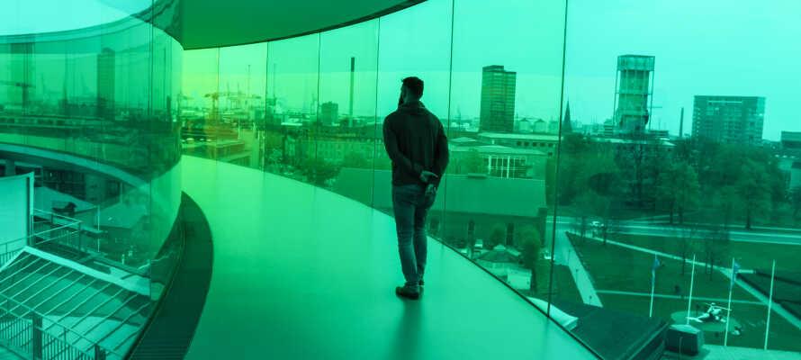 Kunstmuseet ARoS innbyr til en spennende dag i kunstens tegn.