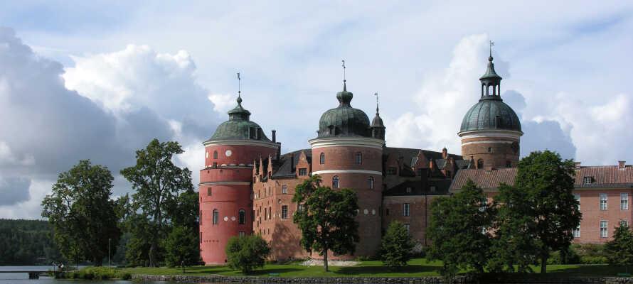 Gå ikke glip af et besøg på royale Gripsholms Slot mens I er i Mariefred.