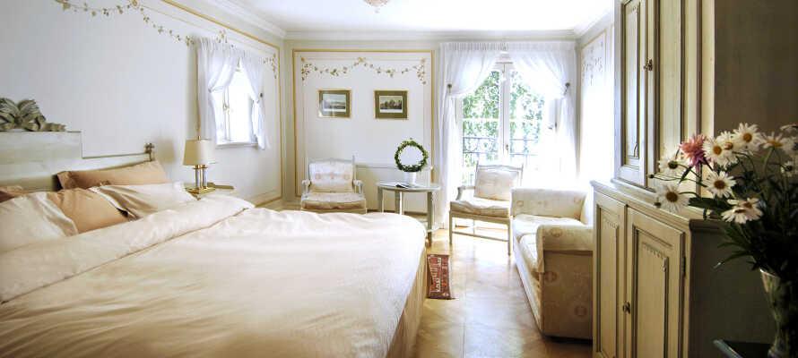 I Gripsholms Värdshus bor du i charmerende og unikt indrettede værelser.