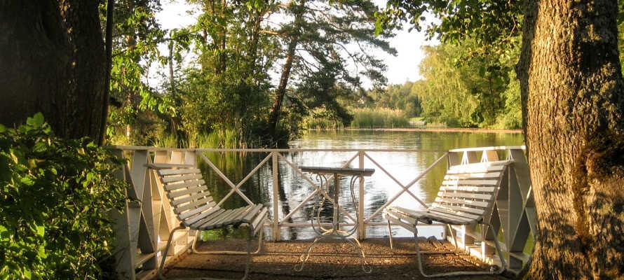 Slap af og få jer en velfortjent pause ved den smukke sø Mälaren.