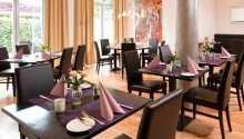 Genießen Sie wunderbare Mahlzeiten in dem einladenden Restaurant.