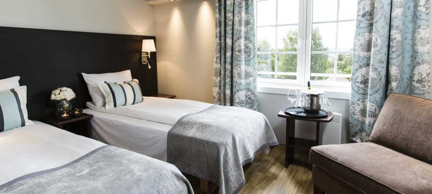 Hotellets rom er lyse og moderne innredet og skaper en god base for deres opphold i Norge