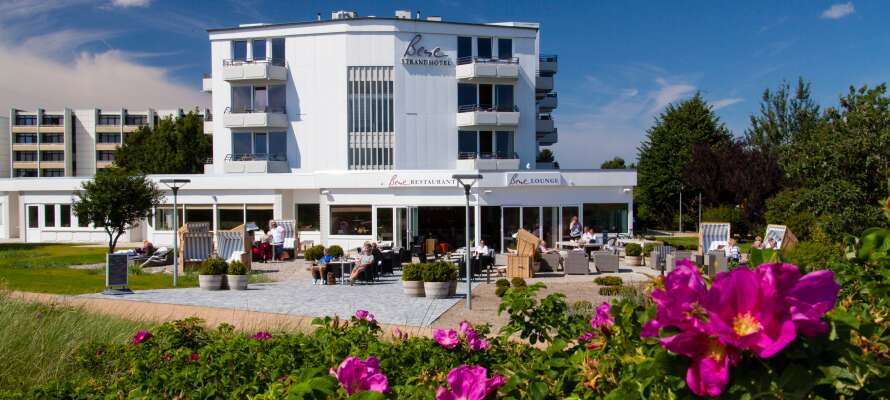 Det 4-stjernede Strandhotel Bene har en suveræn beliggenhed direkte ud til sydstranden på Femern