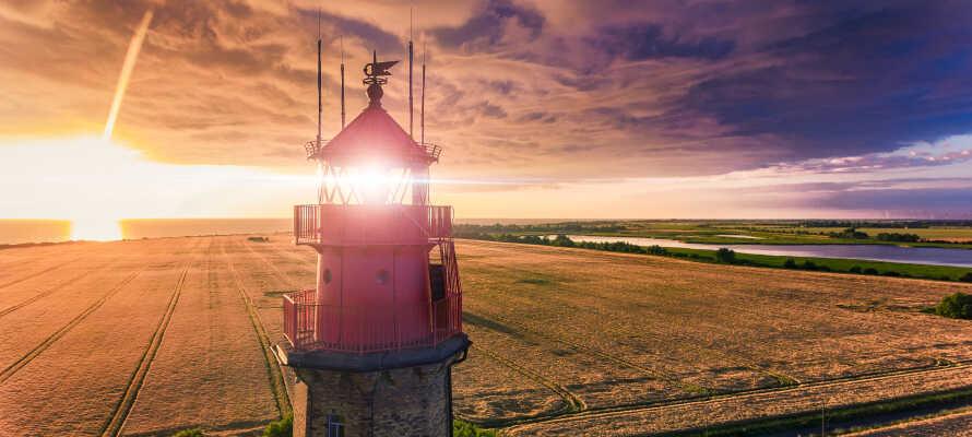 Es gibt viele spannende Erlebnisse und Sehenswürdigkeiten in der Nähe, wie den Leuchtturm Flügger, das U-Boot-Museum und Vieles andere