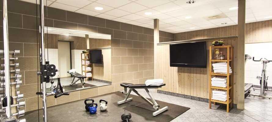 Das Hotel kann Ihnen auch einen Fitnessraum anbieten, so dass die Gäste ihr Training auch in den Ferien fortsetzen können
