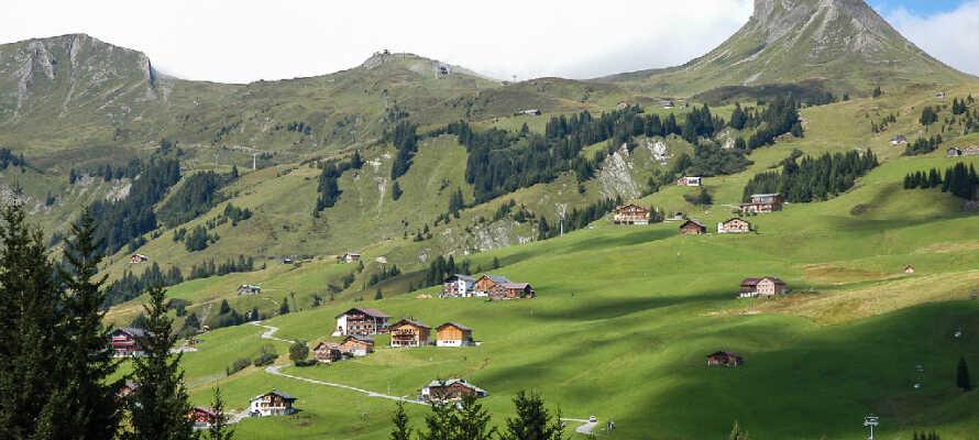 Das familien- und kinderfreundliche Hotel befindet sich im Zentrum der österreichischen Ortschaft Lingenau im schönen Bregenzerwald.
