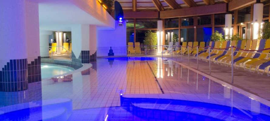 Spa- og badeanlegget Aquaria Erlebnispark i Tyskland ligger 30 minutter unna med bil fra hotellet. Dette er en perfekt dagstur når været svikter.