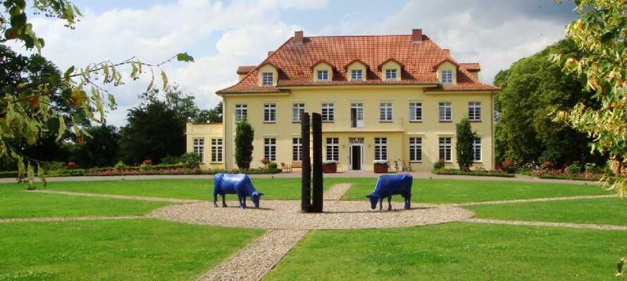 Dette hotel ligger i hjertet af det naturskønne Mecklenburg-Vorpommern og er indrettet i en flot gammel herregård.
