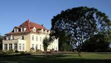 Hotellet ligger i hjertet av naturskjønne Mecklenburg-Vorpommern i en flot gammel godseiendom.