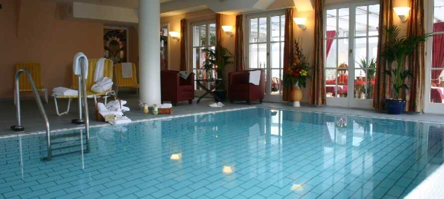 Under oppholdet har dere gratis adgang til wellnessområdet som omfatter et innendørsbasseng,  finsk badstue og infrarød badstue, blant annet
