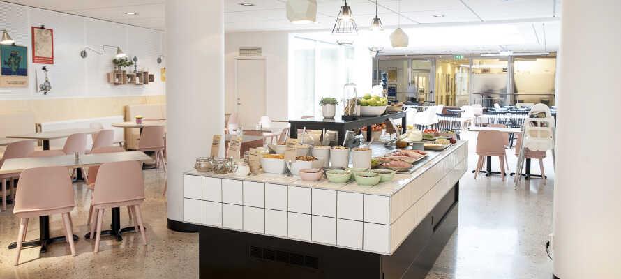 Om morgenen serveres en dejlig omgang morgenmad, som giver jer en god start på dagen.