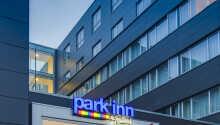 Park Inn Copenhagen ligger nära Amager strandpark och det är enkelt att ta sig in till centrala Köpenhamn