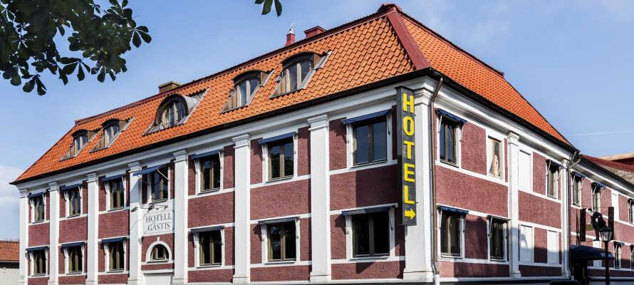 Bo centralt i Varberg på Hotell Gästis, der er det perfekte udgangspunkt når I skal udforske Varbergs seværdigheder.