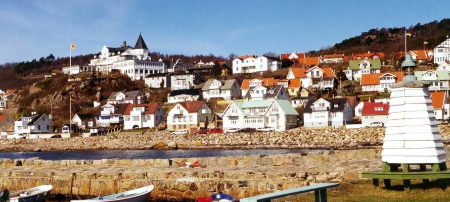 Det lilla fiskeläget Mölle ligger naturskönt vid Öresunds norra mynning.