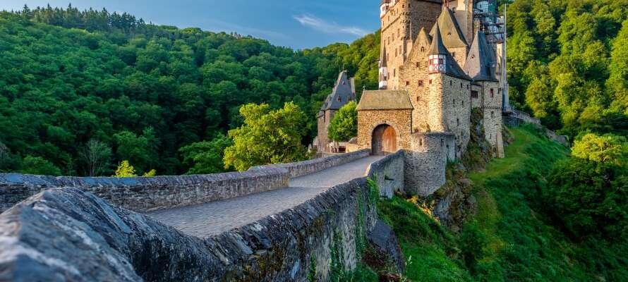 Die Gegend bietet viele gute Möglichkeiten - besuchen Sie zum Beispiel die historische Burg Eltz.