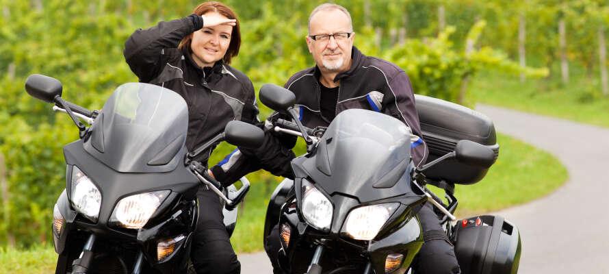 Die Umgebung eignet sich ideal zum Wandern und Radfahren. Das Hotel eignet sich ideal für Selbstfahrer mit dem Motorrad.