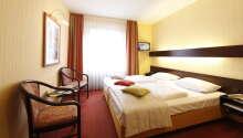 Die Doppelzimmer des Hotels bieten eine angenehme Umgebung für Ihren Aufenthalt.