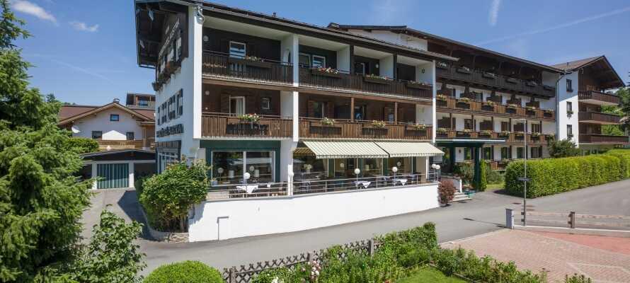 Sporthotel Austria ligger lugnt i Tyrolens alper och erbjuder goda möjligheter till avkoppling och fina naturupplevelser.