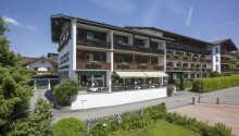 Sporthotel Austria är beläget i Tyrolen och det pittoreska lilla staden S:t Johann.