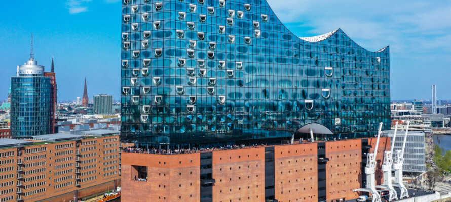 Læg vejen forbi Elbphilharmonie, det fantastisk designede operahus i Hamborg.