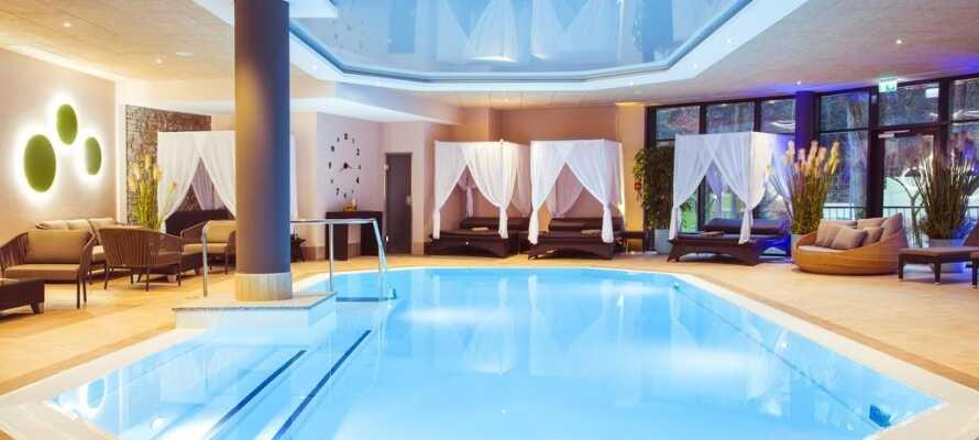 Hotellet har et nytt bassengområde og et spa- og velværesenter med forskjellige badstuer og bad.