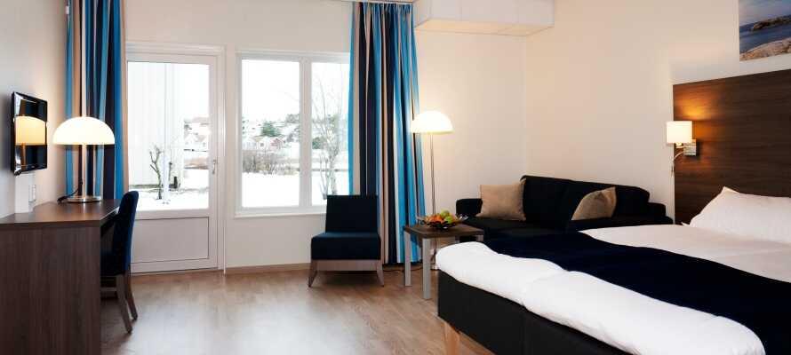 Mange af de flotte og moderne dobbeltværelser har udsigt til havet og findes både med og uden balkon eller terrasse