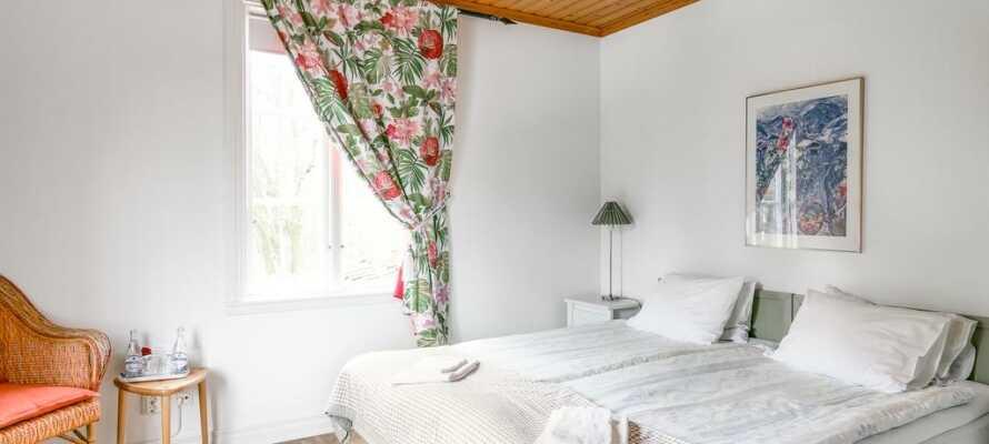 Herrgårdens rum är inspirerade av olika personligheter och har alla en spännande historia att berätta.