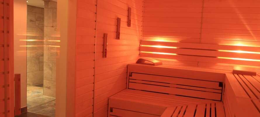Under deres opphold på hotellet kan dere slappe av i velvære-avdelingen med badstue og her kan dere bestille massasje.