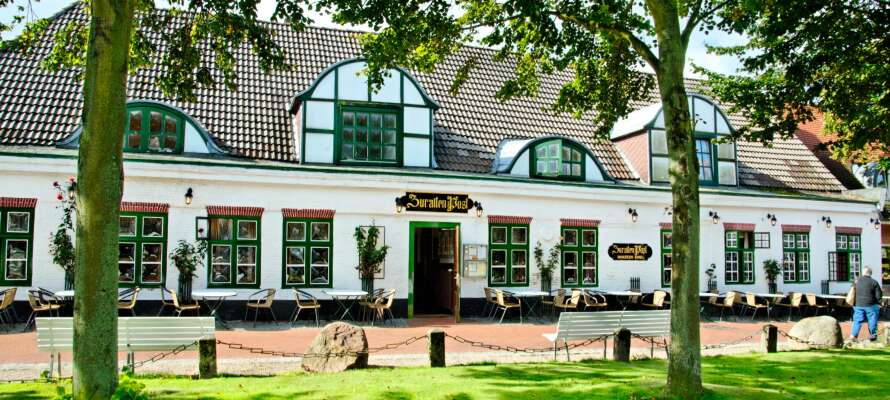 Hotel zur alten Post erbjuder en bekväm bas och utgångspunkt för en härlig semester i en historisk och naturskön omgivning.