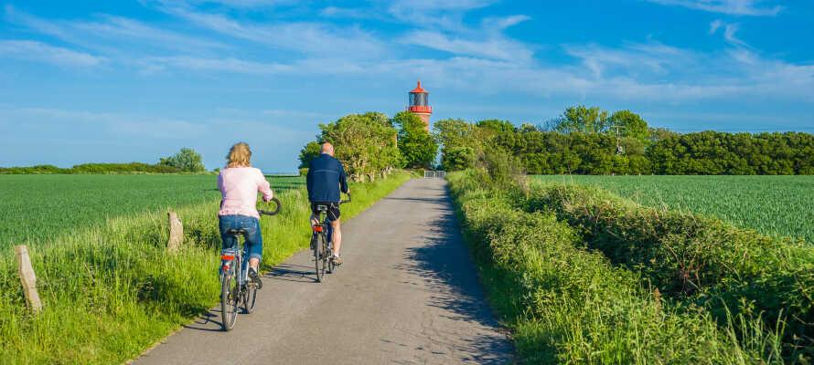 Omgivningarna är natursköna och passar utmärkt för cykling och vandring.