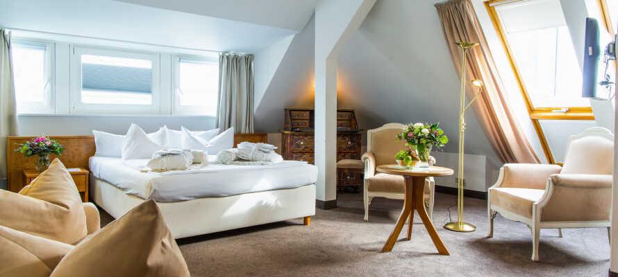 I bor på flotte og rummelige værelser som alle tilbyder et lækkert 4-stjernet komfortniveau.