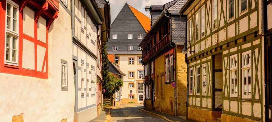 Hotellet ligger like i utkanten av den sjarmerende og historiske byen Goslar.