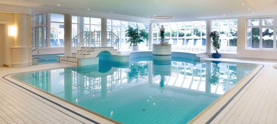 I wellness afdelingen kan krop og sjæl hvile ud, og I kan nyde tiden i sauna, dampbad og den indendørs swimmingpool.