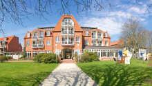 Das Hotel Hohe Wacht liegt in unmittelbarer Nähe zum Strandin einer wunderschönen Umgebung.