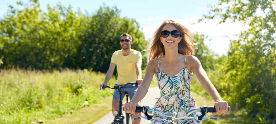Lei sykler på hotellet og dra på tur i fantastiske naturomgivelser.