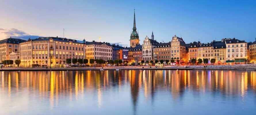 Opplev alt som Stockholm har å by på. Besøk for eksempel slottet og den gamle bydelen