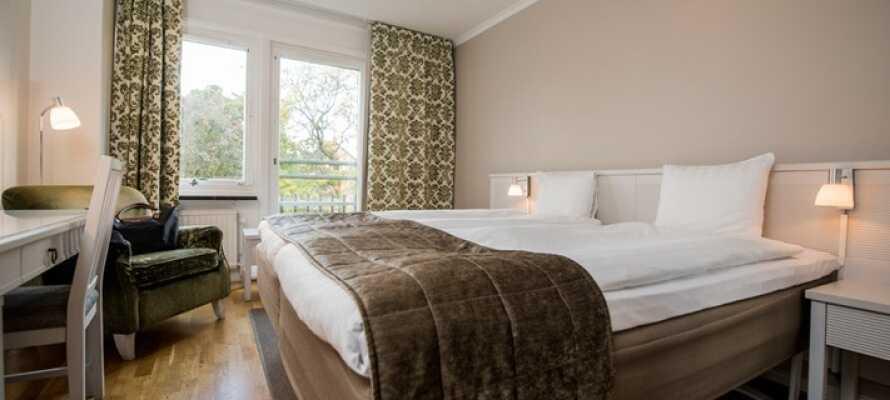 Hotellets værelser er lyse og hyggelig innredet