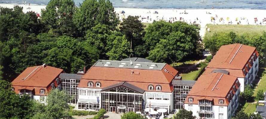 Seehotel Boltenhagen ligger lige ned til den dejlige strand.