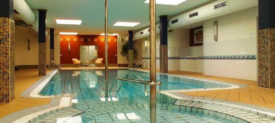 Ni kan slappna av i hotellets wellnessavdelning.