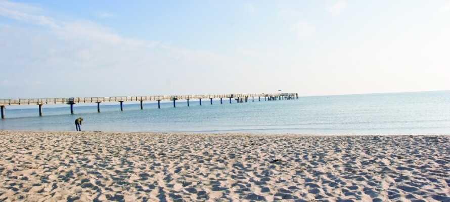 Dere kan tilbringe flere timer på den herlige stranden!