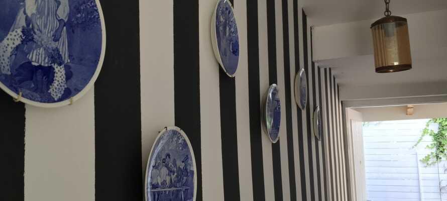 Værtsfamiliens hjerter banker for kunst, og det reflekteres overalt i hotellets indretning og sjæl