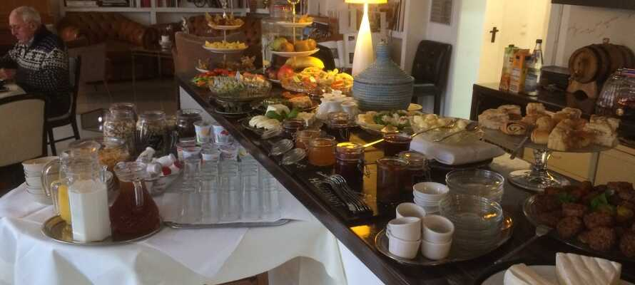 God mat i frokostsalen Salong Rubens atmosfæriske omgivelser.
