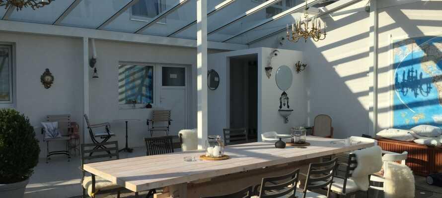 Det är som upplagt för en härlig vistelse på Hotel Söruper Hof med både konst, natur och många utflyktsmöjligheter
