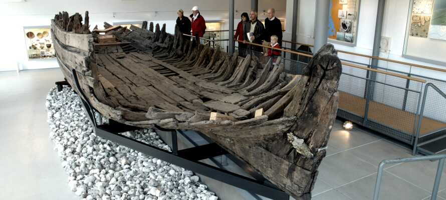 Machen Sie einen Ausflug im Auto zum Schifffahrtsmuseum