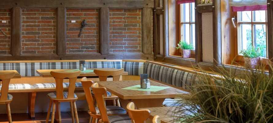 Selv om dere bor i leilighet så finnes det også muligheter for å spise både frokost og middag på hotellets tre restauranter.