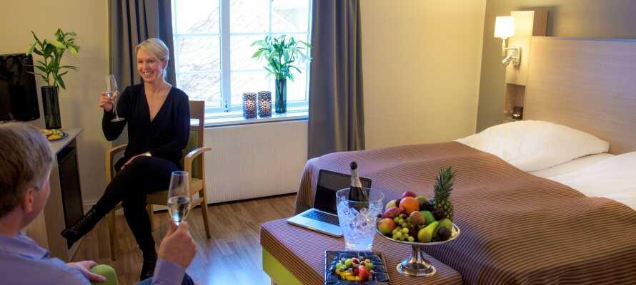 Værelserne er indrettet med fokus på komfort og sørger for de hyggelige rammer om Jeres ophold i Kongsvinger.