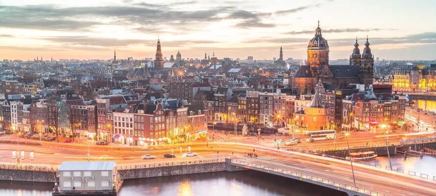 Ta en uforglemmelig utflukt til den fantastiske hovedstaden, Amsterdam!