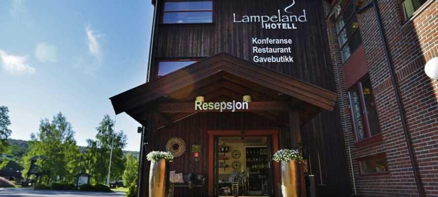 Lampeland Hotell är centralt beläget på Östlandet, mitt emellan Geilo och Oslo.