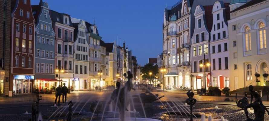 Åk på utflykt till Rostock, som ligger endast 10 km från hotellet.